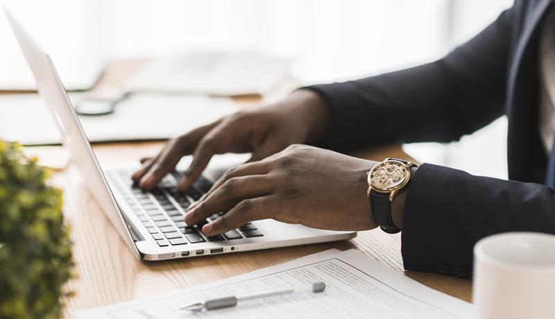 E-mail profissional: 4 sinais que mostram que você precisa de um
